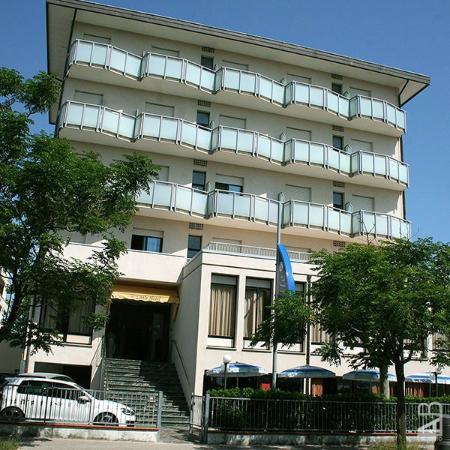 Hotel little cesenatico foto di for Little hotels