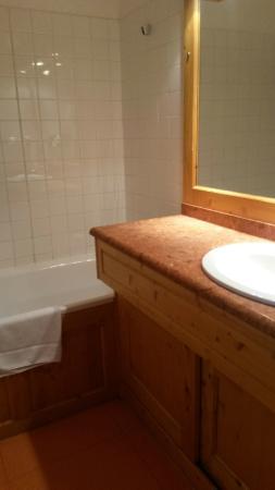 Hotel Le Pelvoux: La salle de bain