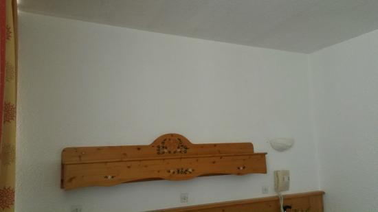 Hotel Le Pelvoux : La chambre