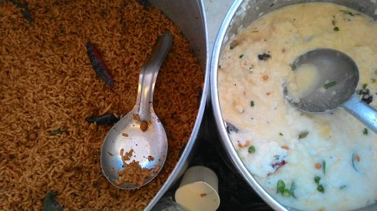 Melkote: Puliyogare & Curd rice