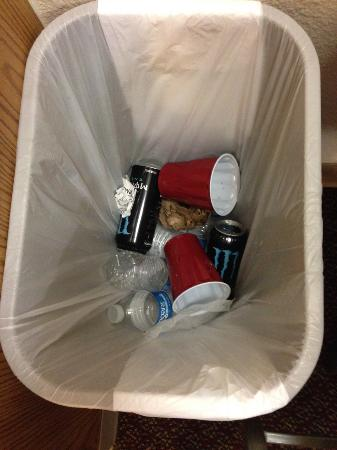Value Place Dallas/ Ft. Worth, Texas (Denton): Trash in the Supposedly Clean Room 7/12/15
