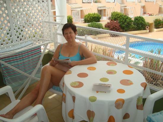 Orlando Club Resort: На террасе в видом на бассейн