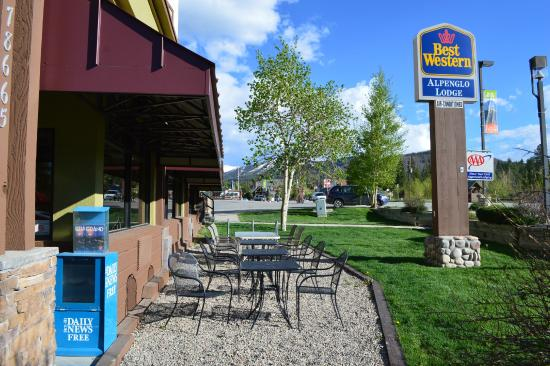 Best Western Alpenglo Lodge : Hotel exterior/sign
