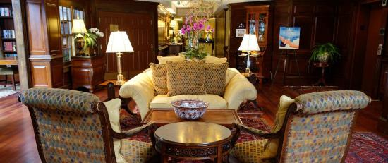 The Bellmoor Inn and Spa: The Lobby