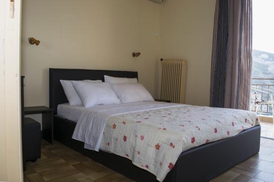 Milton Hotel : The room