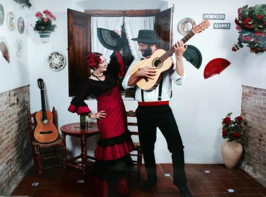 La Casa Vella - Flamenco in Barcelona : Ready to hit Barcelona beach on Saturday night...!