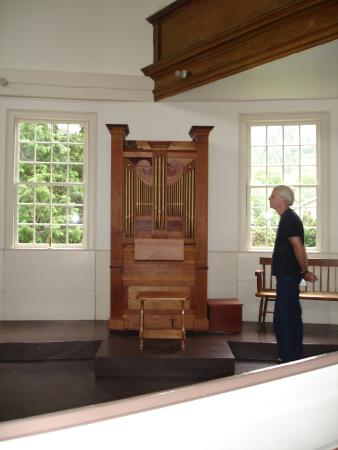 Richmond, VT: The organ