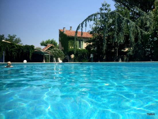 Hotel du Moulin d'Aure : The view from the pool
