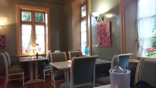 Das Restaurant empfängt die Besucher mit gemütlichem Ambiente  Bild