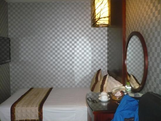 Hanoi Twins Hotel : A small room