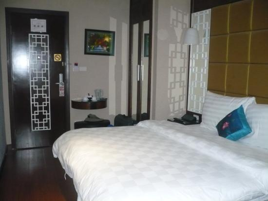 Church Boutique Hotel 49 Lan Ong: Bedroom