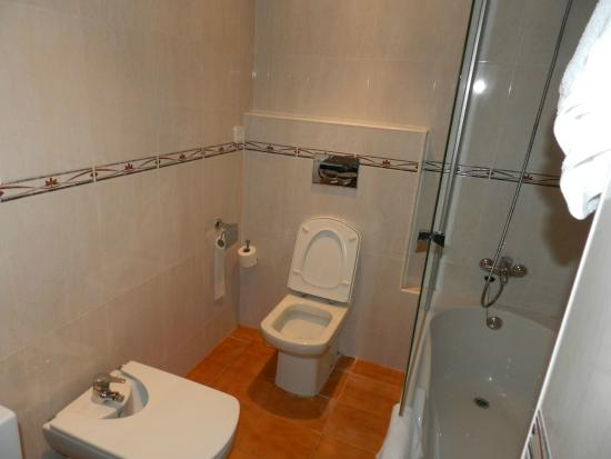 Niko Apartments: Banheiro