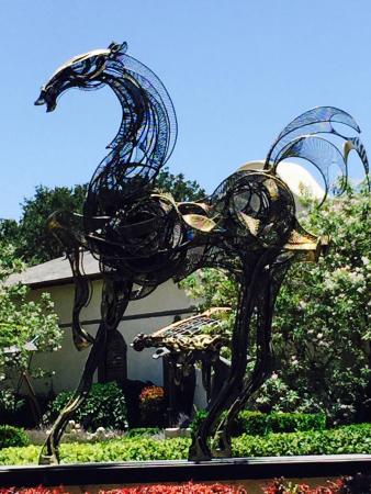 Sculpterra Winery & Sculpture Garden : A great afternoon was had!