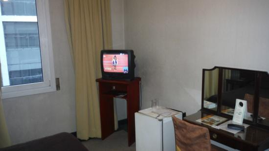 Regis Orho Hotel: Old TV