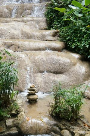Coyaba River Garden and Museum: waterfall at the garden