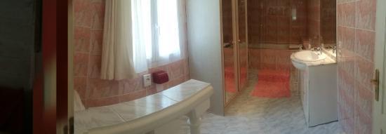Salle de bain montagne - Picture of Chambres d hotes Villa Regain ...