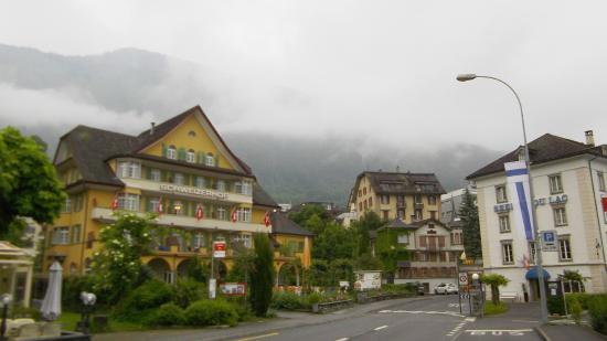 Hotel Schweizerhof: Front side