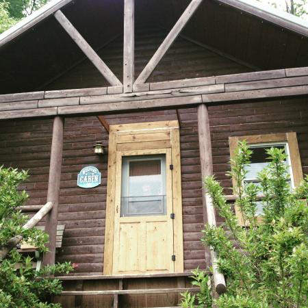 Sunset Ridge Log Cabins: The Emerald cabin