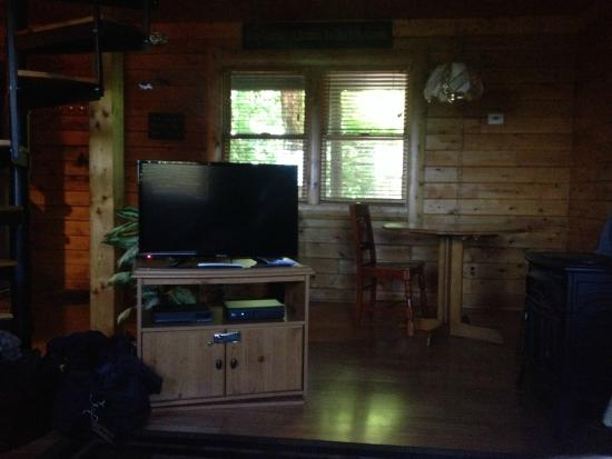 Sunset Ridge Log Cabins: Inside the cabin
