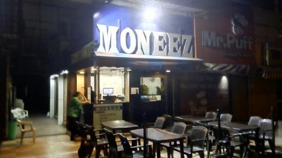 Moneez