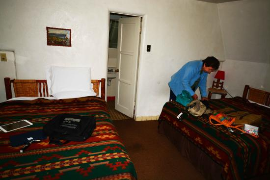 Wigwam Motel: Inside the Wigwam