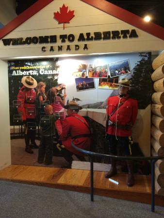 Travel Alberta West Glacier Visitor Information Centre: Welcome to Canada