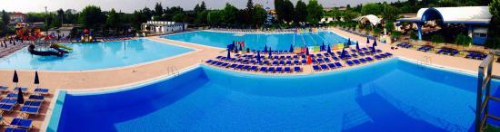Asti lido 2000 piscine foto di asti lido 2000 piscine for Piscine 2000