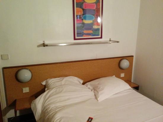 Abluft mit keim schimmel legionellen bild von hotel for Hotel douglas paris