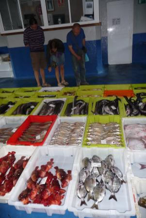 Camping Playa de Otur: Fish Market