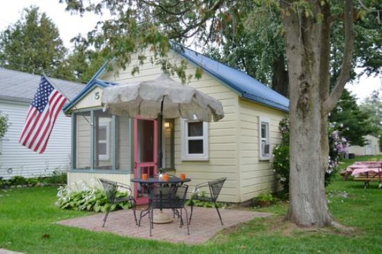 The Little Yellow Cottages Cottage Reviews Port Austin Mi Tripadvisor