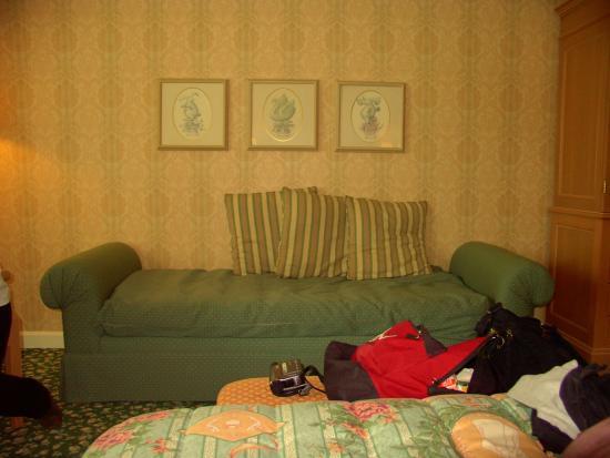 Chambre picture of disneyland hotel chessy tripadvisor for Chambre hotel disney