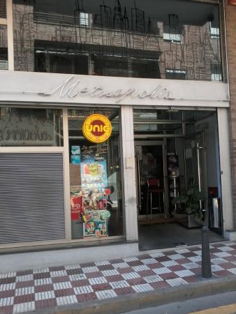Bar metropolis pineda de mar restaurant reviews for Restaurant pineda de mar