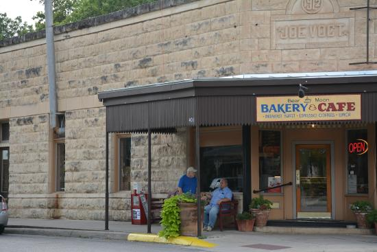 Bear Moon Bakery and Cafe
