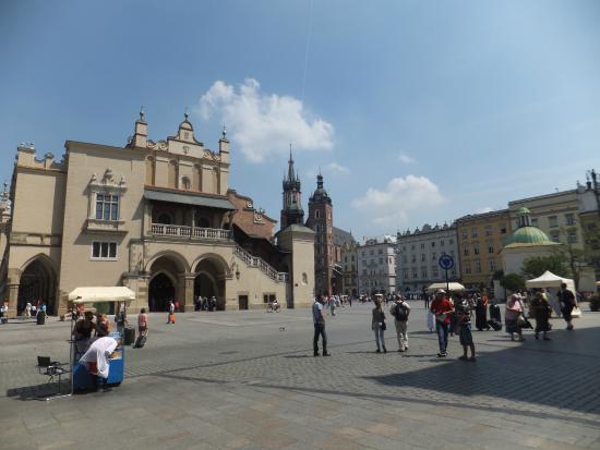 Krakow Pub Crawl Tour