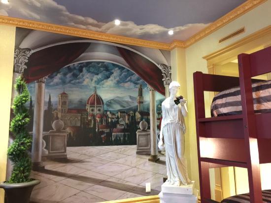 Superior Roman Room Fantasyland Hotel