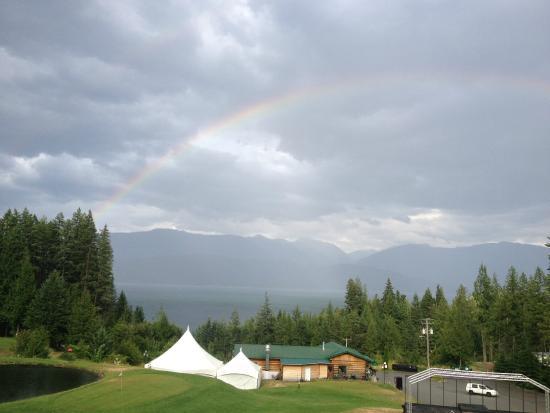Kootenay Lakeview Spa Resort & Event Centre : Rainbow from the balcony