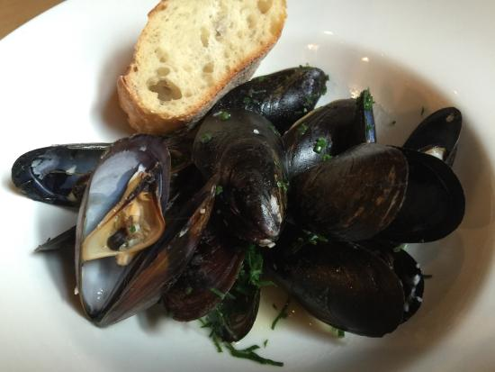 Cerise Craft Steakhouse: Mussel Sunday - All the mussels you can eat for $20.00!