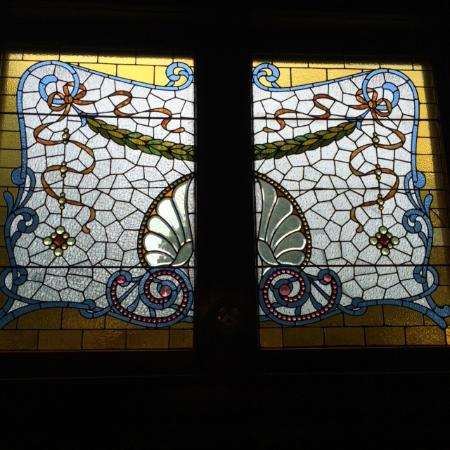 Howard Steamboat Museum & Mansion: One of the stained glass windows