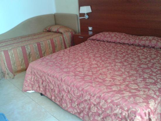 Camera Matrimoniale A Olbia.La Camera Da Letto Picture Of Hotel Demar Olbia Tripadvisor