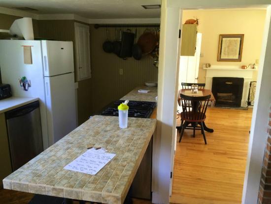 The Sunny Grange B&B: Kitchen