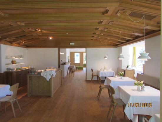 Hotel Taufers: Innen Frühstücksbereich mit Buffett