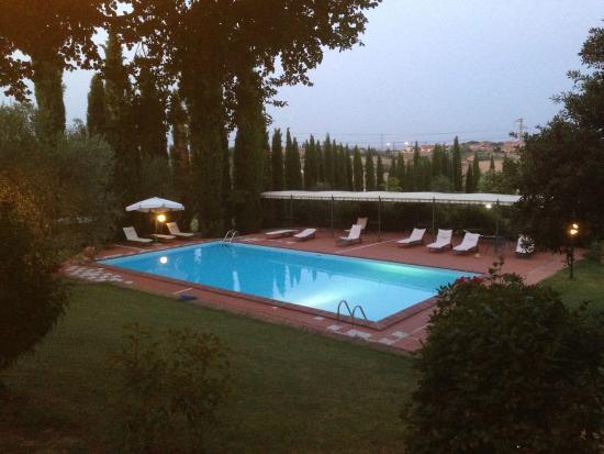 Residence Il Palazzetto: Bassengområdet