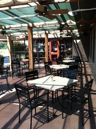 City Range Steakhouse Grill: Great Patio Seating