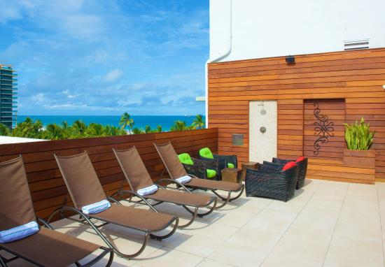 Winter Haven, Autograph Collection: Soak in the Florida sun on our Rooftop Sundeck