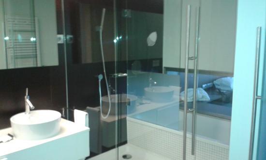 Sercotel Encin Golf Hotel: ducha y bañera