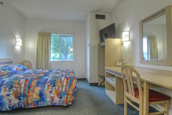 Motel 6 Menomonie: Guest Room