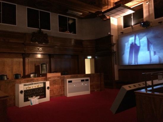 SeaCity Museum: Court Inquiry Room model