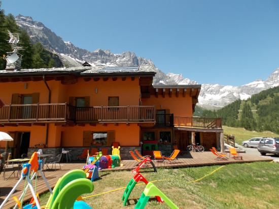 Hotel Foyer Des Guides Ollomont : La luge valtournenche italy b reviews photos