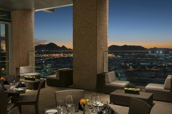 Talking Stick Resort: Sunset dining at Orange Sky