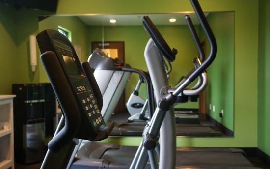 Econo Lodge - Mayo Clinic Area: 24-Hour Fitness Room